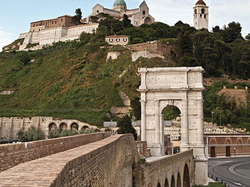 Porto Antico Ancona Arco di Traiano