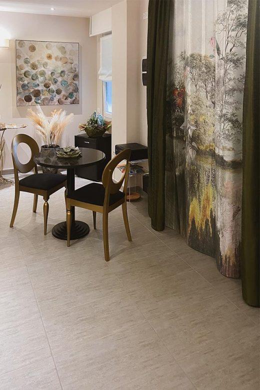 la-maison-di-carla-guest-house-ancona-affittacamere-ingresso_02