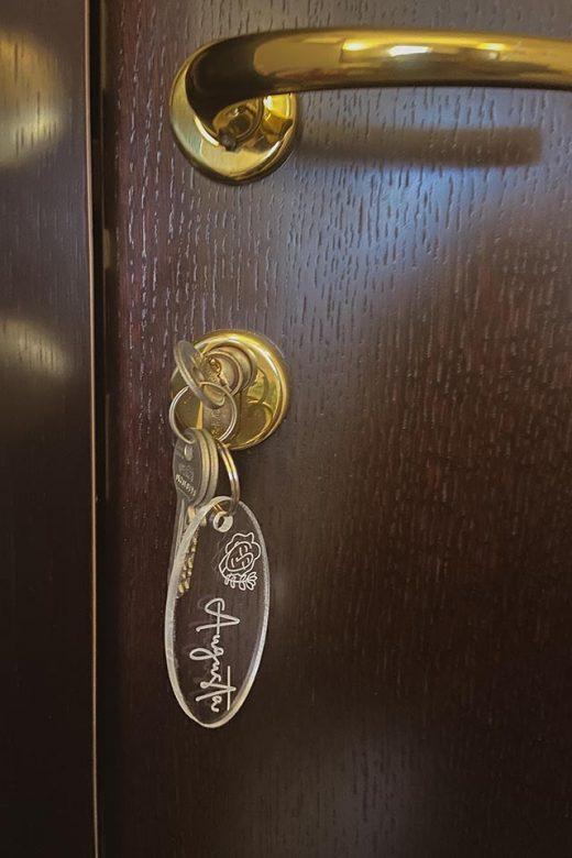 la-maison-di-carla-guest-house-ancona-affittacamere-ingresso_05